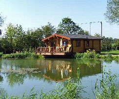 pine lodges for self-catering holidays suffolk